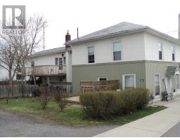 135 Pleasant Dr, SELBY